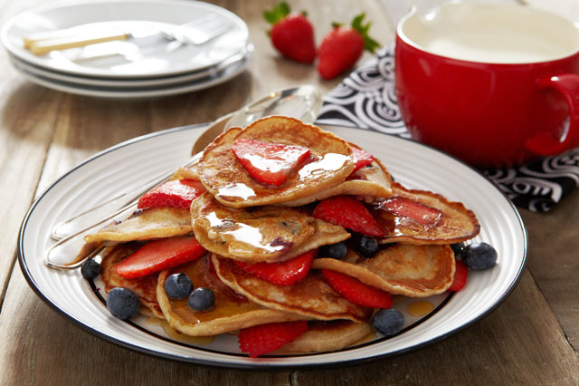 Strawberry, Blueberry and Cinnamon Mini Pancakes
