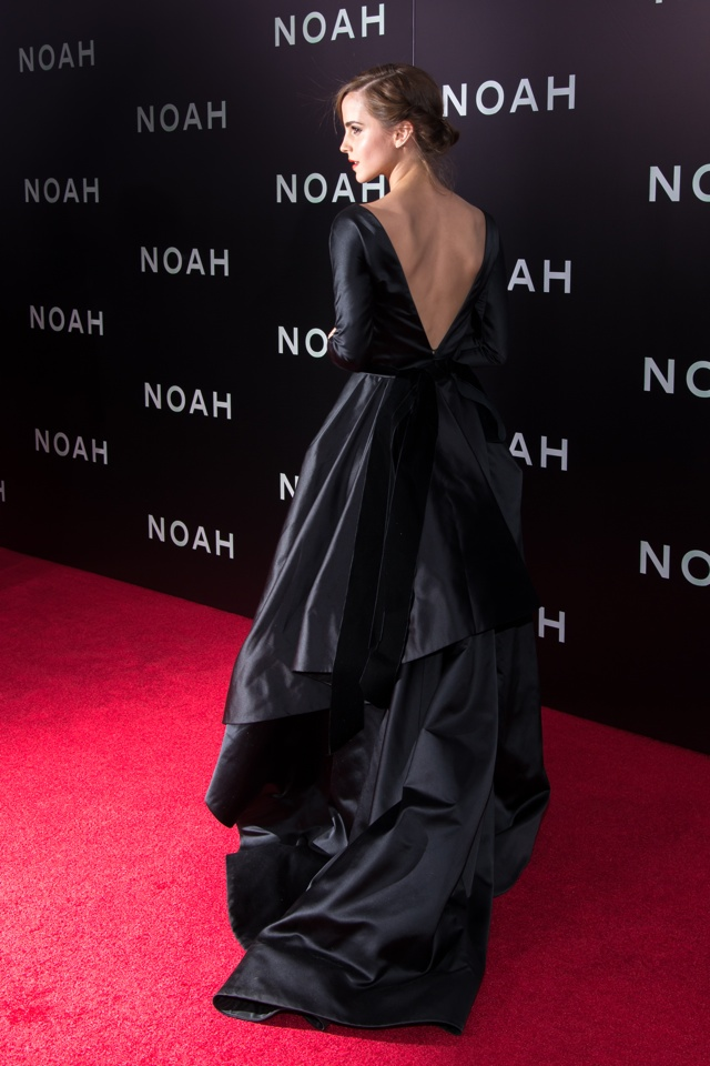 emma-watson-black-dress-new-york-premiere-noah