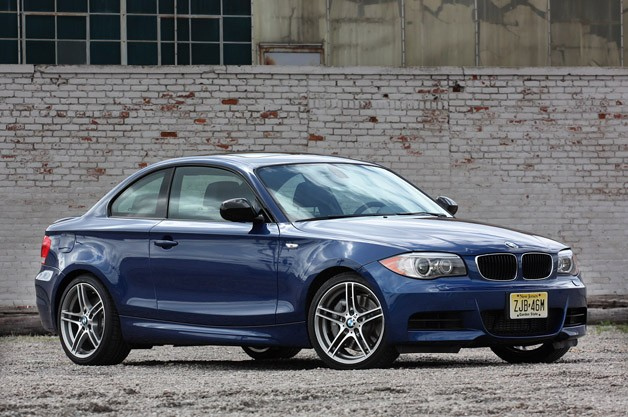 BMW 135is - blue