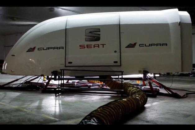 【ビデオ】ビックリ! 超リアルなドライビング・シミュレーターかと思ったら...?
