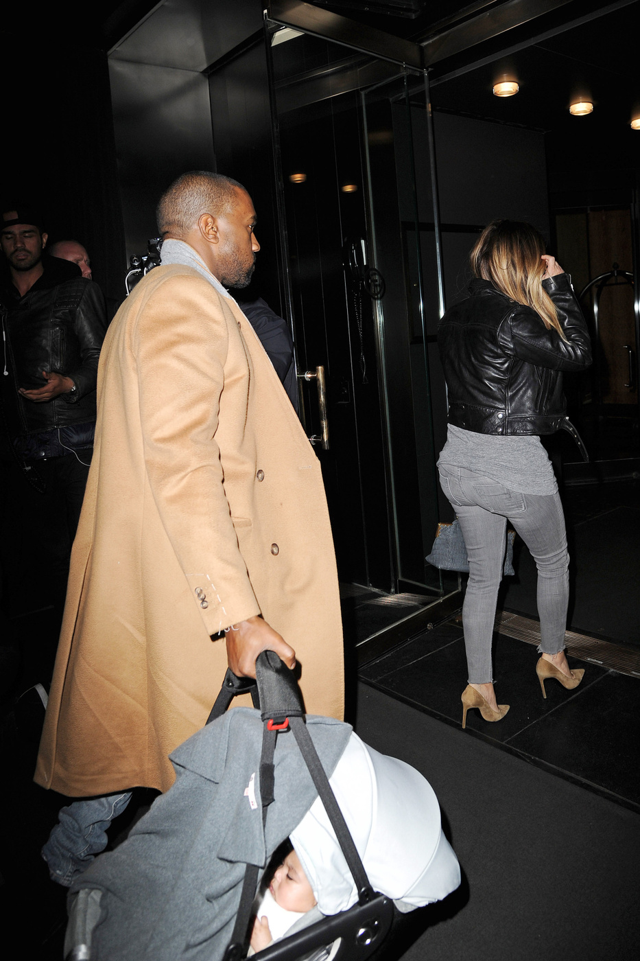 109190, NEW YORK, NEW YORK - Friday November 22, 2013. Kim Kardashian and Kanye West step out with baby North for a dinner with Kris Jenner in New York City. Photograph: ? TS, PacificCoastNews**FEE MUST BE AGREED PRIOR TO USAGE** **E-TABLET/IPAD & MOBILE PHONE APP PUBLISHING REQUIRES ADDITIONAL FEES** LOS ANGELES OFFICE: +1 310 822 0419 LONDON OFFICE: +44 20 8090 4079