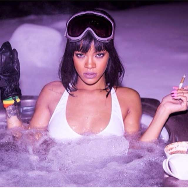 Rihanna-holiday-ski-trip