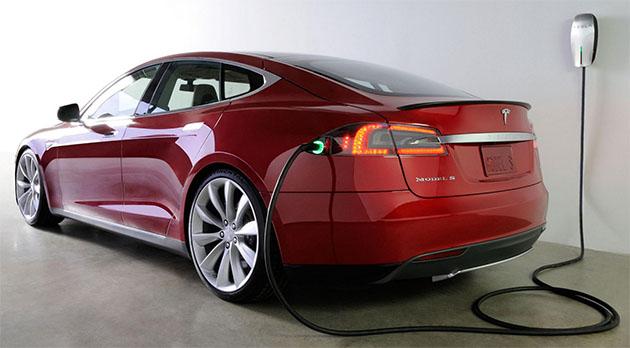 Tesla Model S update brings calendar integration and traffic-based navigation