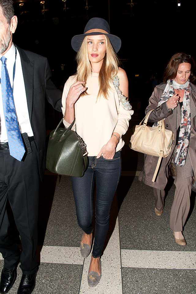 Rosie-huntington-whiteley-airport-style