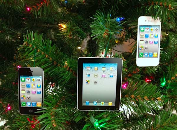 iPhone 4S and iPad Ornaments