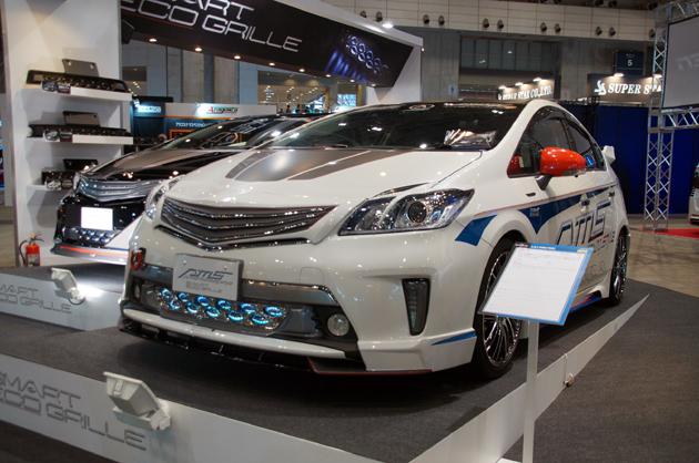 【東京オートサロン2014】ハイブリッドカーの燃費をさらに向上させるパーツが登場!!
