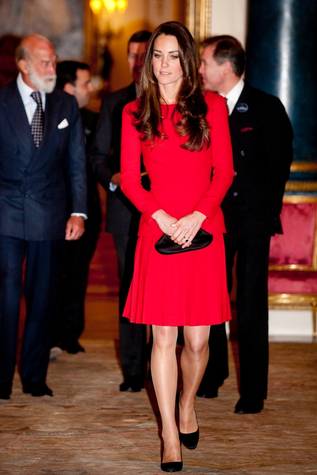 kate-middleton-alexander-mcqueen-dramatic-arts-reception-buckingham-palace