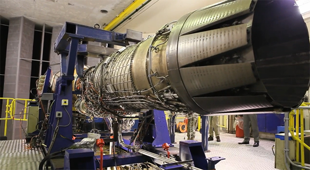 【ビデオ】時速1600km超えに挑戦する超音速ロケット車!