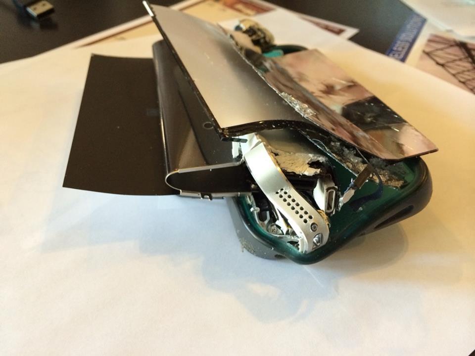 Yvette Fragile smashed iPhone