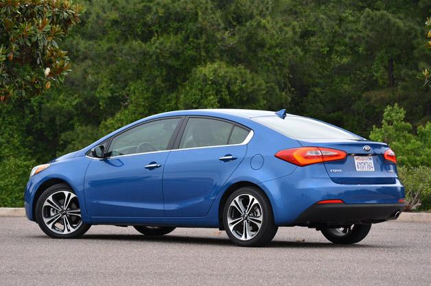 2014 Kia Forte rear 3/4 view