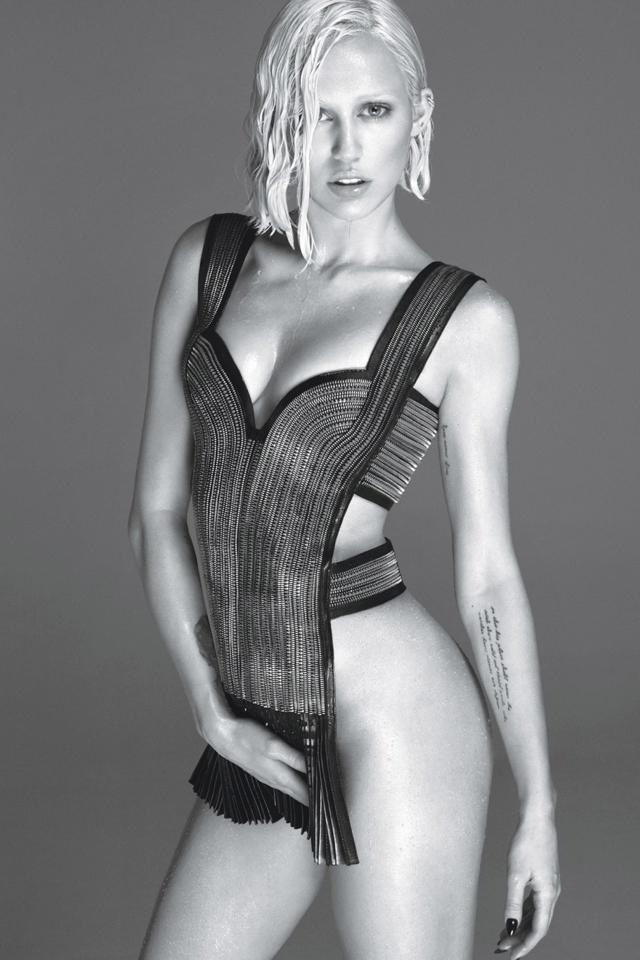 miey-cyrus-nude-pics-w-magazine-cover