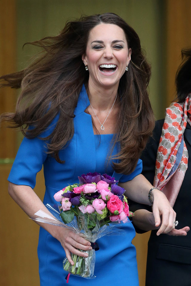 EALING, ENGLAND - FEBRUARY 14:  Catherine, Duchess of Cambridge leaves the opening of the ICAP Art Room at Northolt High School on February 14, 2014 in Ealing, England.  (Photo by Chris Jackson/Getty Images)