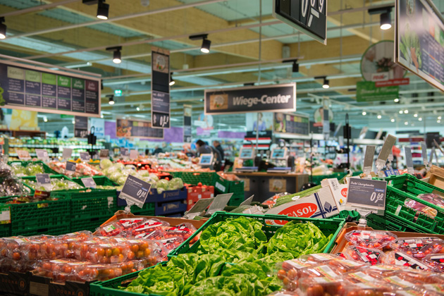 Philips intelligent lighting in a grocery store