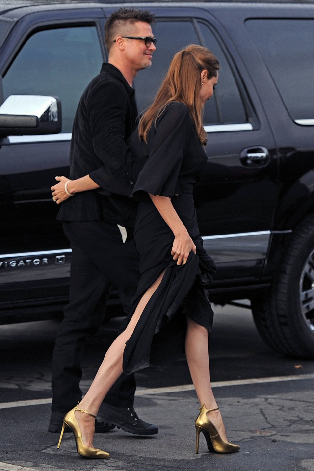 angelina-jolie-wardrobe-malfunction-2014-independent-spirit-awards