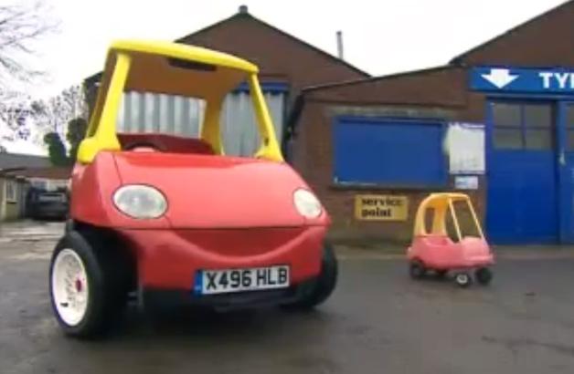 【ビデオ】欧米で人気の子ども用おもちゃを大人が乗れる実物大のクルマに!