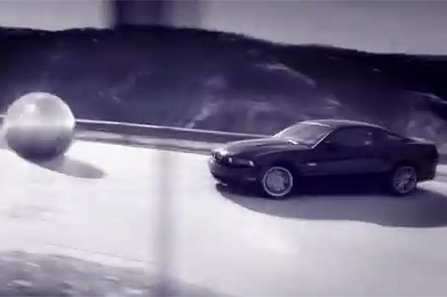 【ビデオ】フォードとピンボールメーカーが「マスタング」のピンボールマシンを製作