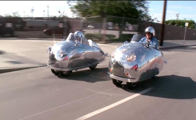 【ビデオ】ジェイ・レノがとってもユニークな3輪スクーター「Decopod」に試乗!
