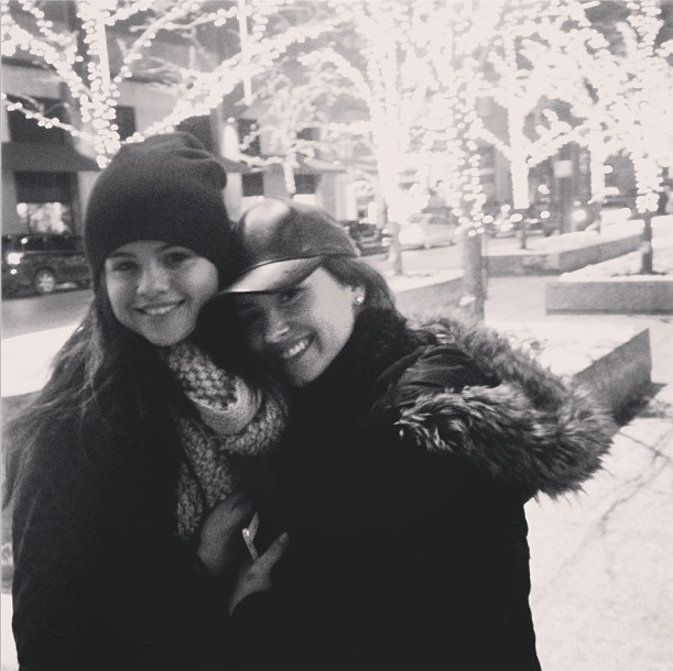 Demi Lovato and Selena Gomez still BFFs new instagram pic