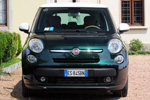 2015 Fiat 500L Living front view
