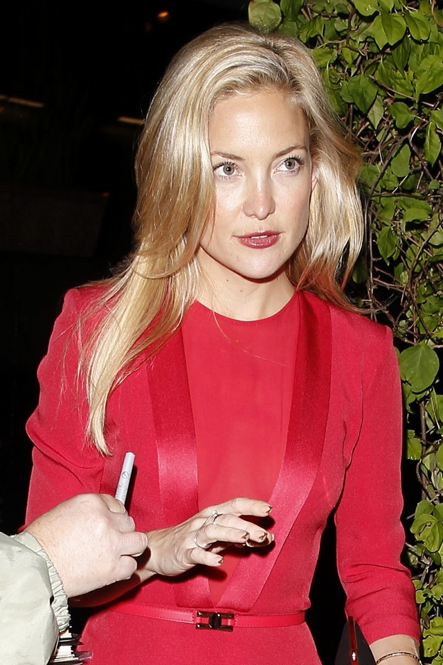 kate-hudson-red-jumpsuit-madeo-restaurant