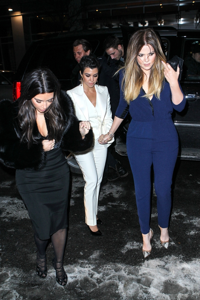 kim-kardashian-cleavage-girls-night-out-khloe-kourtney-1oak