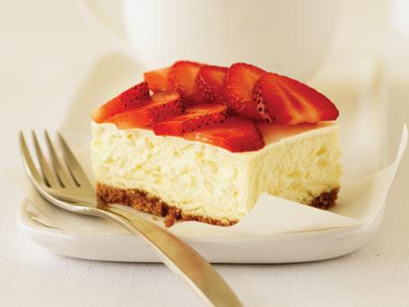 PHILADELPHIA New York-Style Sour Cream-Topped Cheesecake