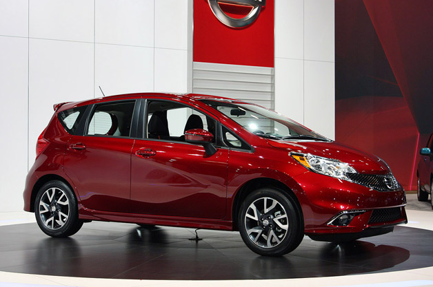 2015 nissan versa note adds sporty ish sr trim w video. Black Bedroom Furniture Sets. Home Design Ideas