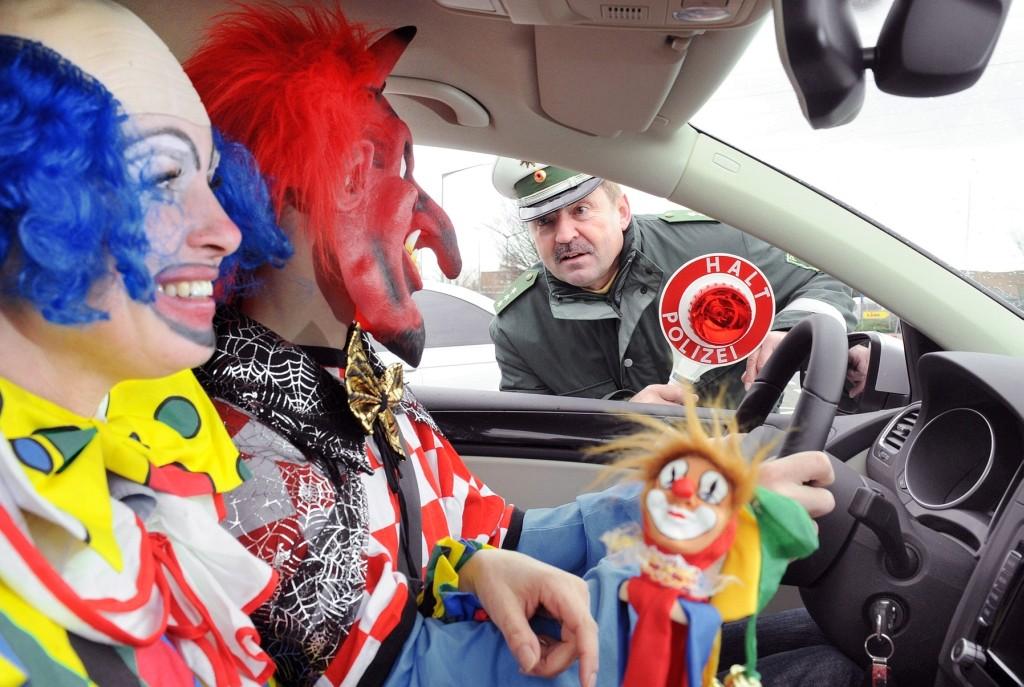 alkohol, autofahren, besoffenm, betrunken, Bußgeld, fasching, fastnacht, Führerschein, featured, karneval, kontrolle, nüchtern, polizei, Polizeikontrolle, Promille, Restalkohol