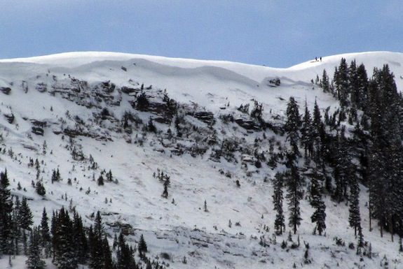 This photo provided by the Eagle County (Colo.) Sheriff's Office, one person was killed and three injured in an avalanche on Tuesday, Jan. 7, 2014, in the East Vail Chutes in the back country outside of Vail Mountainís ski boundary near Vail, Colo.  (AP Photo/Eagle County Sheriff)