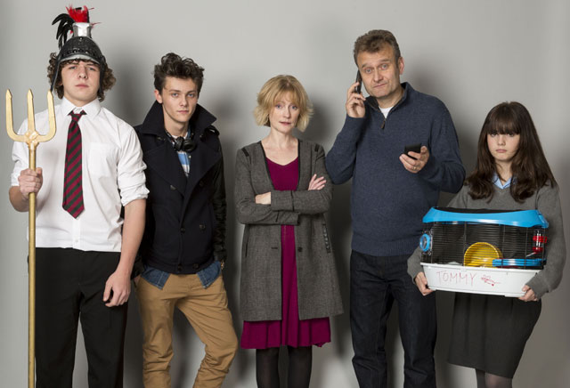 Cast of Outnumbered