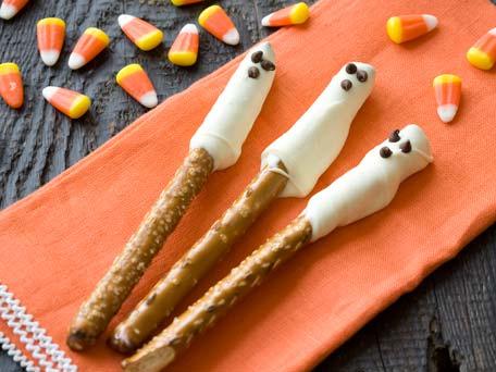 Ghostly Pretzel Sticks