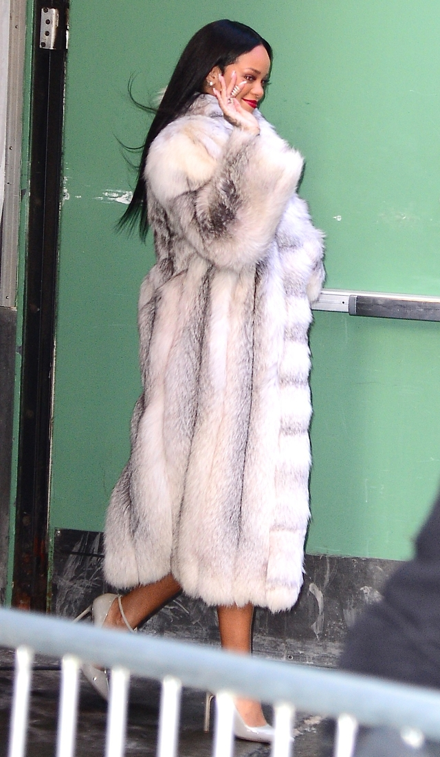 rihanna-fur-coat-good-morning-america