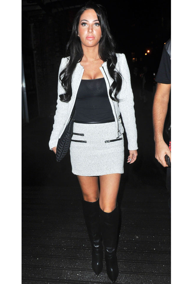 24 January 2014 - MANCHESTER - UK  BRITISH SINGER TULISA CONTOSTAVLOS SEEN ARRIVING AT EVISSA SAKURA NIGHT CLUB IN MANCHESTER  BYLINE MUST READ : XPOSUREPHOTOS.COM  ***UK CLIENTS - PICTURES CONTAINING CHILDREN PLEASE PIXELATE FACE PRIOR TO PUBLICATION ***  **UK AND USA CLIENTS MUST CALL PRIOR TO TV OR ONLINE USAGE PLEASE TELEPHONE  44 (0) 208 370 0291 or 1 310 600 4723