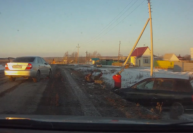 【ビデオ】ロシアのドライバー同士によるカーチェイスのとんでもない結末とは?