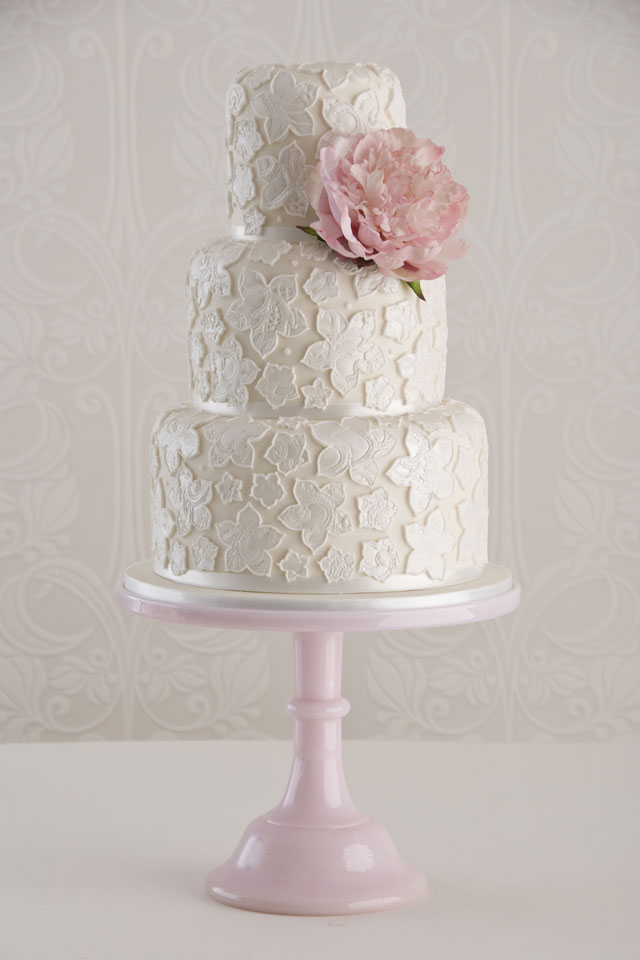 wedding cake frosting was begging to give her guests type 2 diabetes