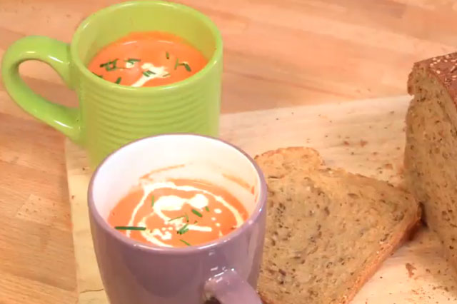 Fiona Faulkner Cooking for kids Magic tomato soup
