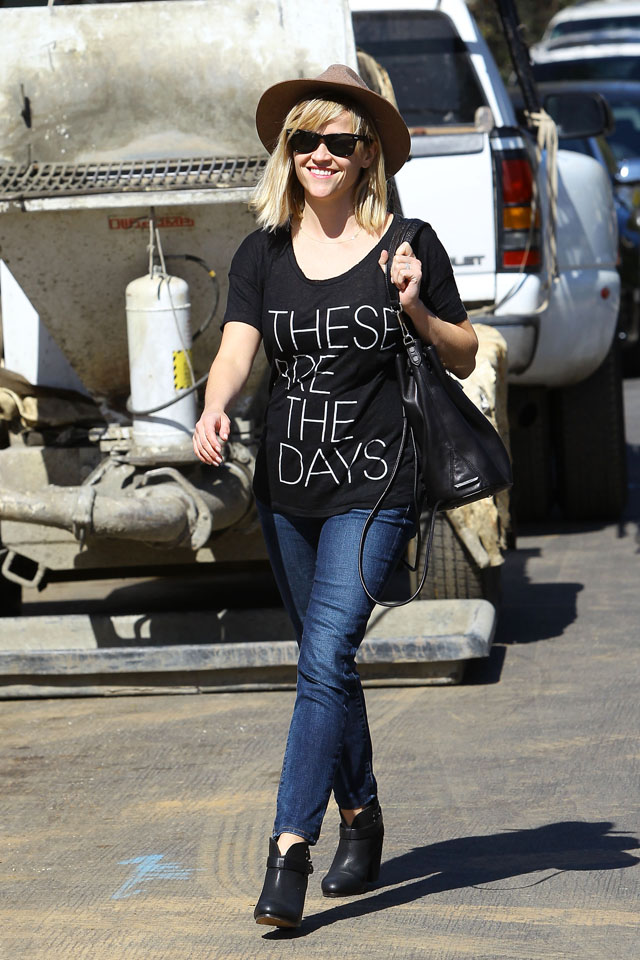 LOS ANGELES, CA - MARCH 12: Reese Witherspoon is seen on March 12, 2014 in Los Angeles, California.  (Photo by Bauer-Griffin/GC Images)