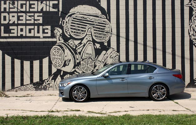 2014 Infiniti Q50 with mural