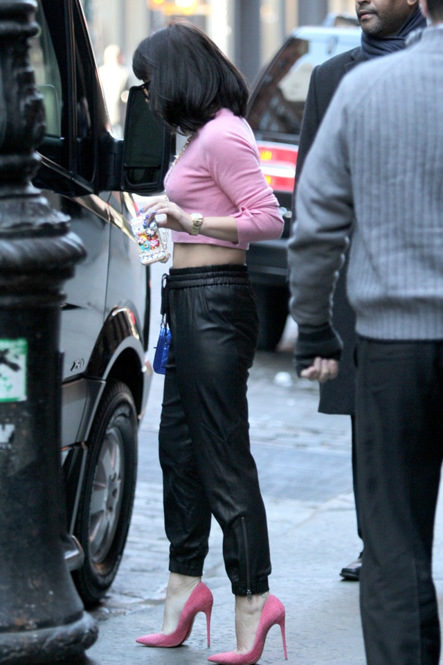lily-allen-leather-joggers-pink-crop-top-new-york