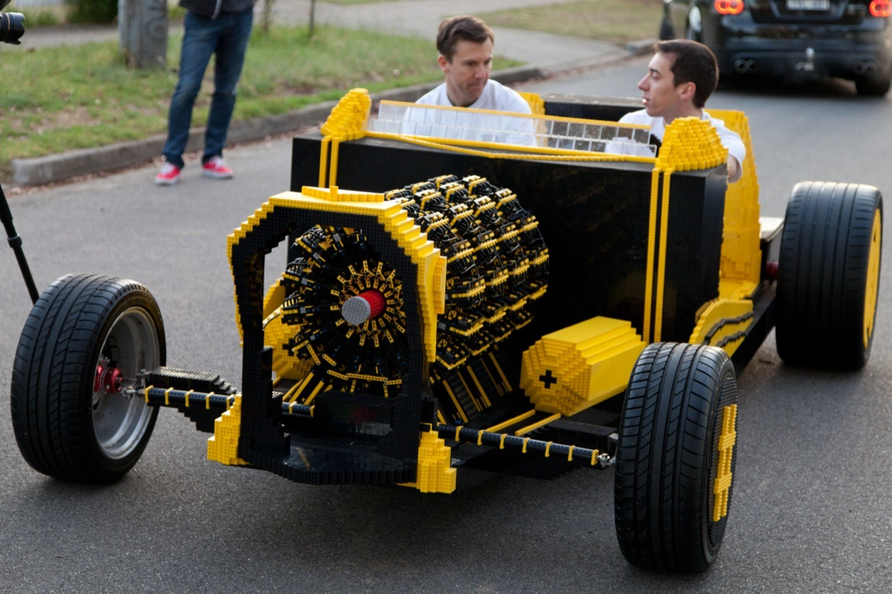 Lego, lego, lego car, Raul Oaida, Steve Sammartino, super awesome micro project, Lego. Video, Luftmotor, Druckluftmotor, pneumatic