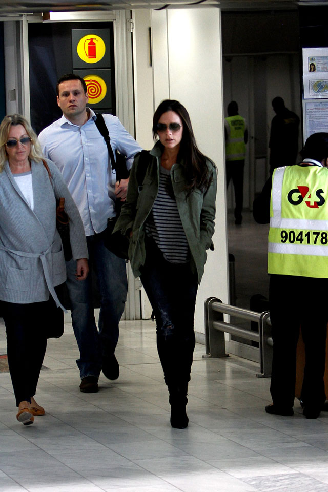 CAPE TOWN, SOUTH AFRICA - FEBRUARY 23:  Victoria Beckham arrives at Cape Town International Airport on February 23, 2014 in Cape Town, South Africa.  (Photo by Michelly Rall/Getty Images)