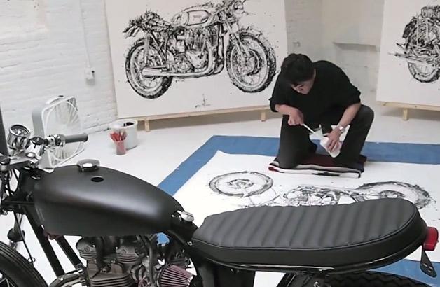【ビデオ】割りばしと墨汁を使ってバイクを描く日本人アーティスト