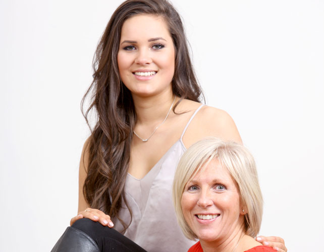 Jane Lowe and daughter Kirsty