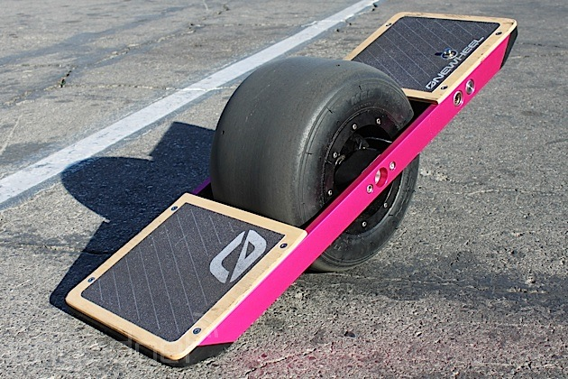 The Onewheel self-balancing, single-wheeled skateboard comes to CES, we take it for a spin (video)