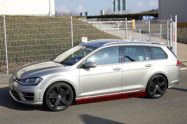 volkswagen golf r wagon promises to be fast and functional. Black Bedroom Furniture Sets. Home Design Ideas