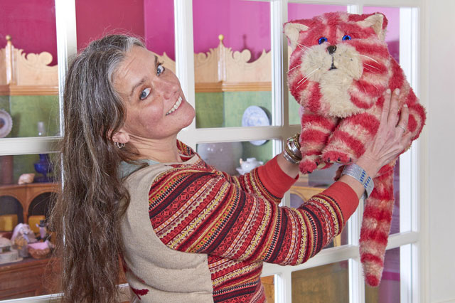 Bagpuss is 40: Cat reunited with Emily