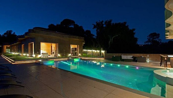 pool at Rihanna's pacific palisades house