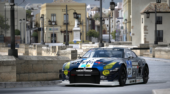 Which is Better: Gran Turismo 6 or Forza 5?