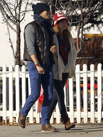 Exclusive... 51293783 Reclusive couple Ryan Reynolds and Blake Lively take a romantic stroll to a local comedy club in Aspen, Colorado on December 29, 2013. NO INTERNET USE WITHOUT PRIOR AGREEMENT FameFlynet, Inc - Beverly Hills, CA, USA - +1 (818) 307-4813