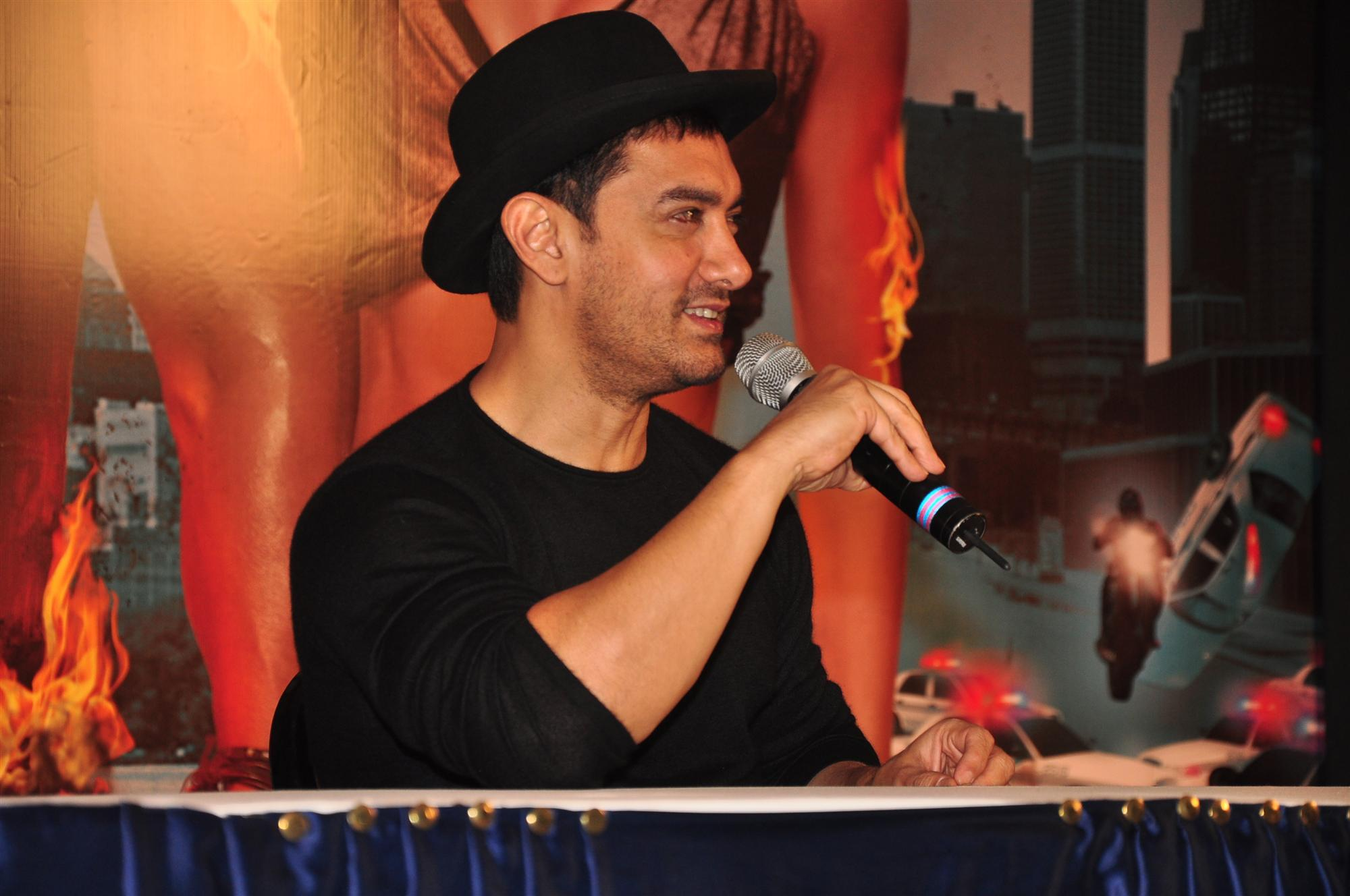 hitting a woman shows cowardice says aamir khan by the coolage